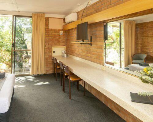 longreach-accomomodation-jumbuck-motel-twin-room (12)